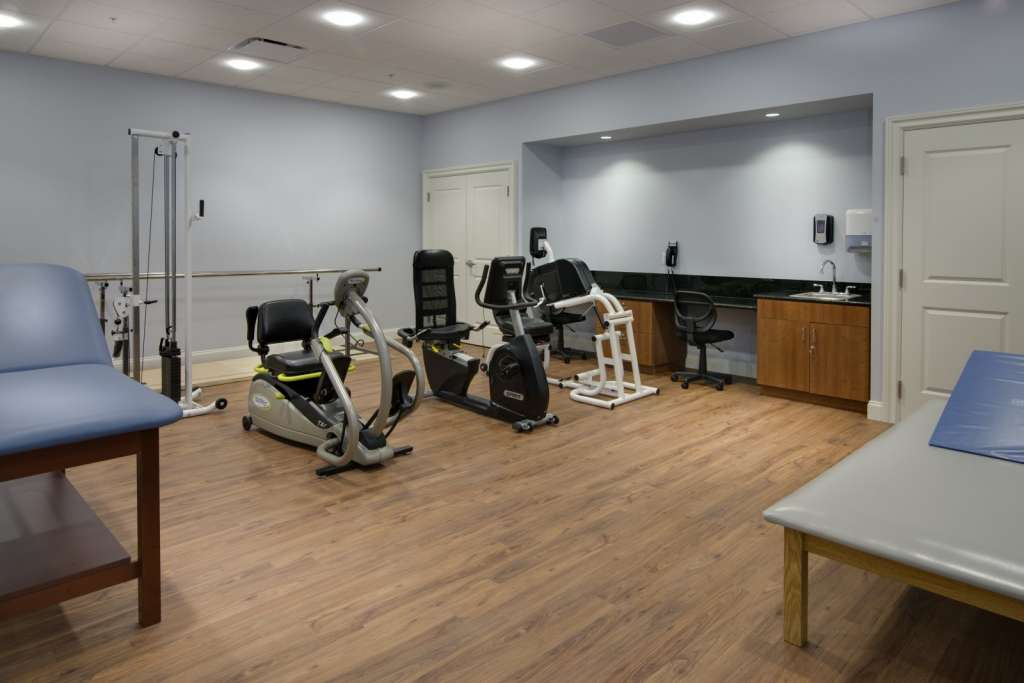 Grand Oaks Palm City Physical Therapy Room